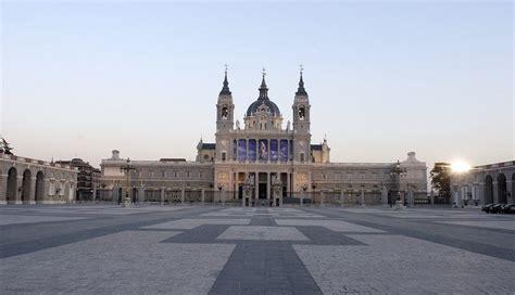 Catedral de la Almudena - Horarios de Misas