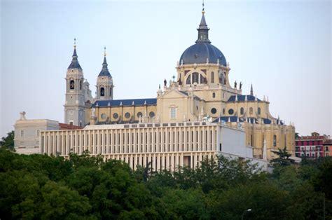 Catedral de la Almudena - Sitiosturisticos.com