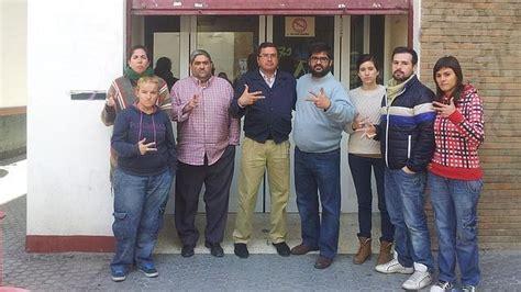 Catorce mil personas sordas de Sevilla se quedan sin ...