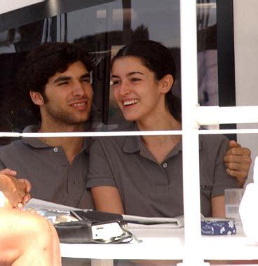 Cayetano Rivera y Blanca Romero, muy enamorados, en una ...