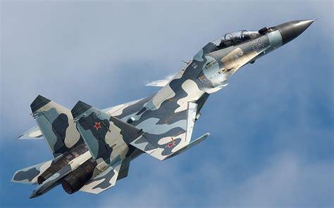 Cazas Israelies F15 huyen temerosos de cazas Rusos SU 30 ...