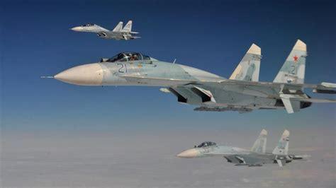 Cazas rusos se acercan a solo 3 metros de un avión espía ...