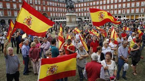 Centenares de personas se concentran en Madrid por una ...
