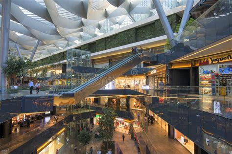 Centro Comercial Central De Toreo Parque En Ciudad De ...