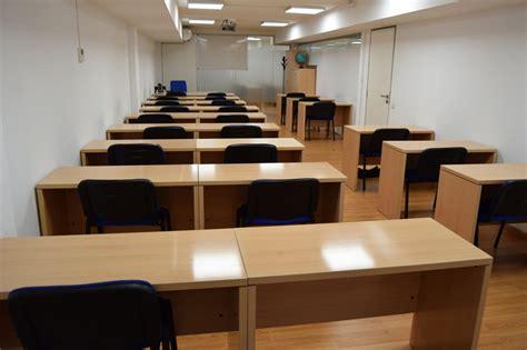 CENTRO DE ESTUDIOS AERONÁUTICOS Instalaciones CEAE Cursos ...