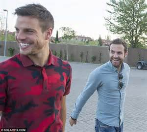 Cesar Azpilicueta and Premier League's Spain stars prepare ...