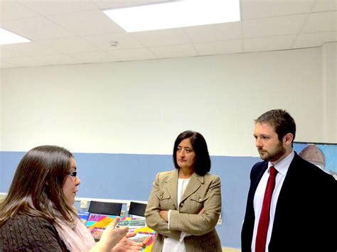 Chacón visita el CEPI de Alcalá, en el que la Comunidad de ...