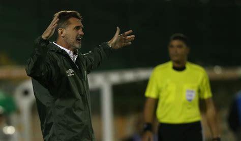 Chapecoense destituye al técnico Vagner Mancini por malos ...