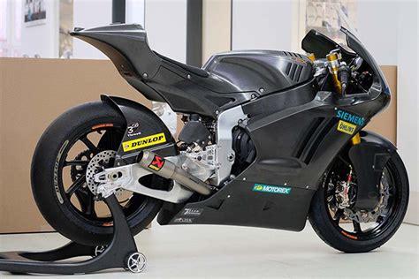 Check out this 2019 Triumph-powered Kalex Moto2 bike ...