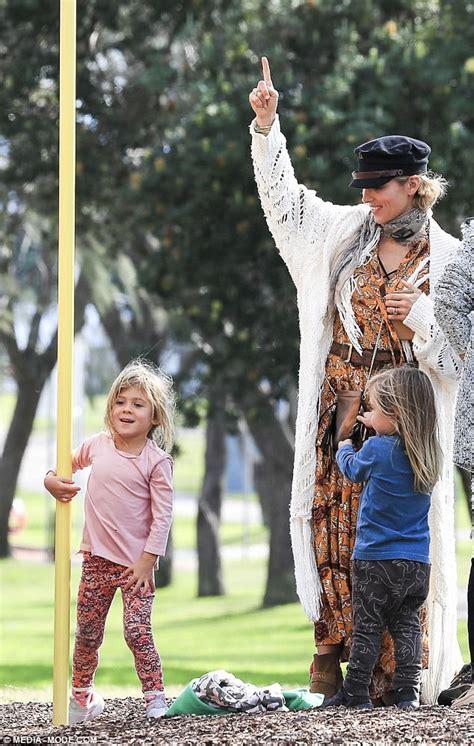 Chris Hemsworth's daughter shows superhuman strength ...