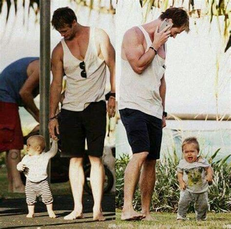 ~Chris with Sasha & Tristan 3/15/15~ | Hemsworth family ...