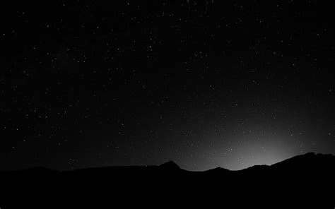 Cielo nocturno Montaña Negro & amp; # 038; Blanco Fondo de ...