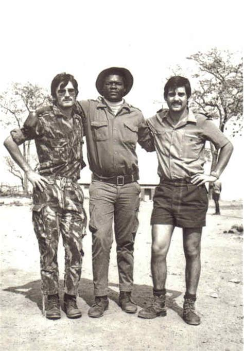Clavinas, Militante da Frelimo e Serrano