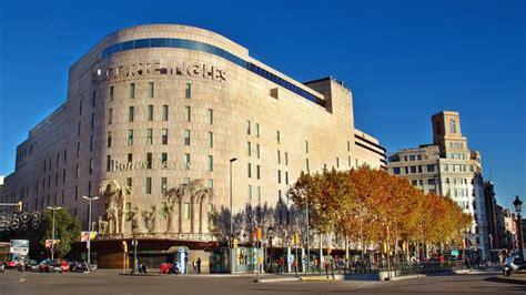 Clientes de El Corte Inglés de Barcelona denuncian ante la ...