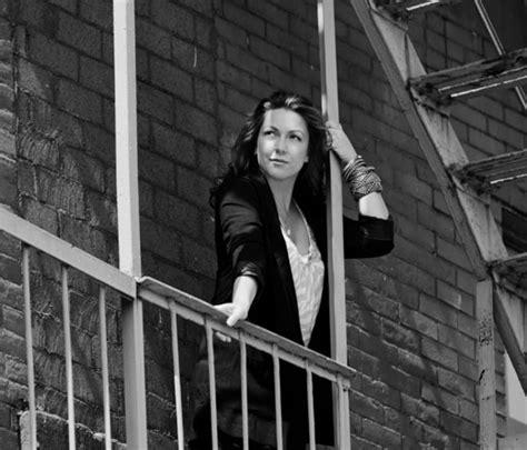CMTV - Biografía de Niña Pastori