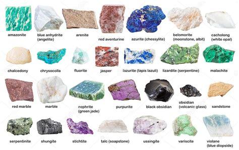 Coleção de pedras preciosas e minerais com nomes ...