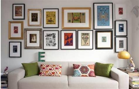Colocar cuadros para decorar paredes de forma original 6 ...