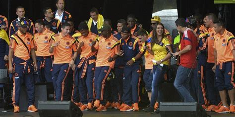 Colombian Soccer Team Processes Loss By Dancing The Pain Away