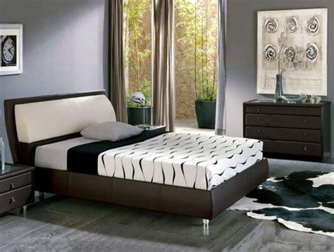 Combinar las paredes con muebles de maderas oscuras   Casa ...