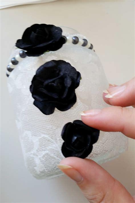 Come decorare barattoli di vetro per creare dei portacandele.