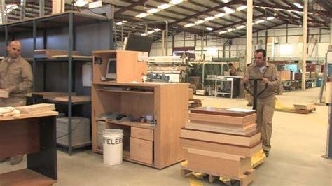 Cómo abrir una fábrica de muebles de madera