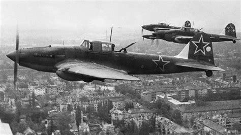 ¿Cómo acabó un as soviético derribando aviones ...