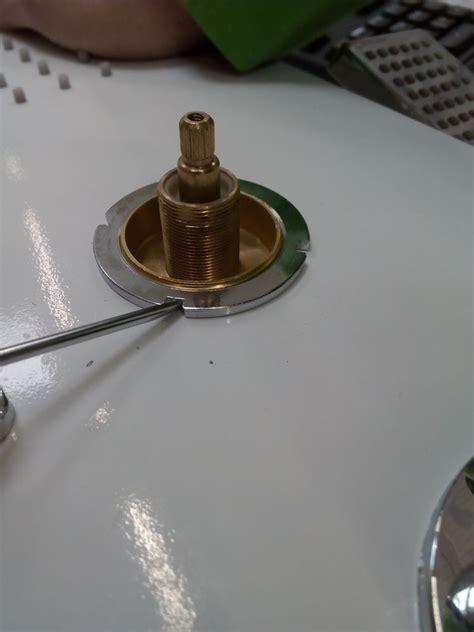 ¿Cómo cambiar el cartucho desviador de una columna de ...