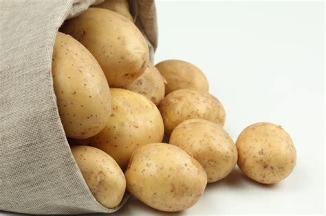 Cómo cocer patatas con piel   PequeRecetas