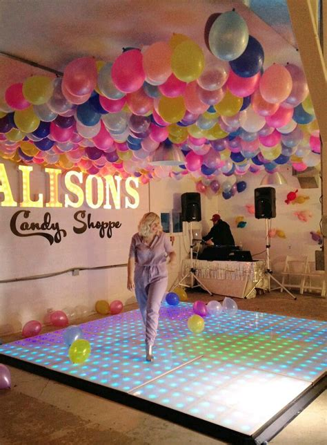 como decorar el techo con globos con ideas originales