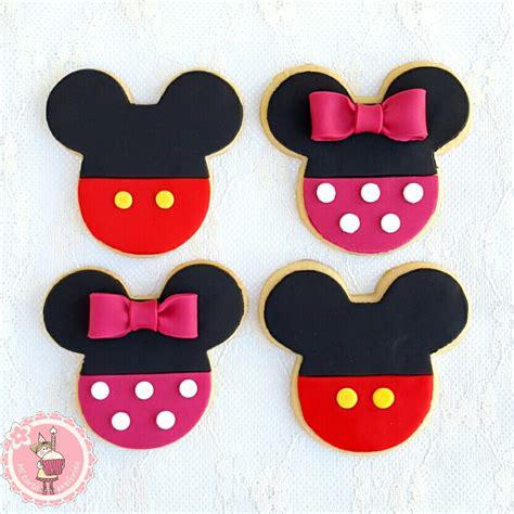 Como decorar galletas de Mickey y Minnie Mouse