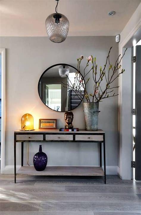 Cómo decorar un recibidor moderno: grande y pequeño ...