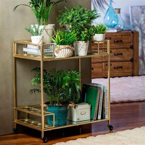 Cómo decorar usando plantas artificiales