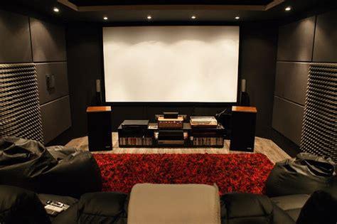 Como fazer uma sala de cinema em casa | Aberto até de ...