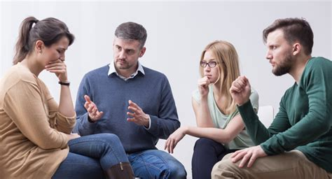 ¿Cómo funcionan los grupos de apoyo tras el divorcio?