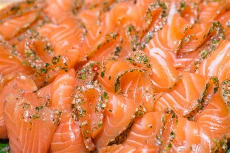 Cómo hacer salmón ahumado - 7 pasos - unComo