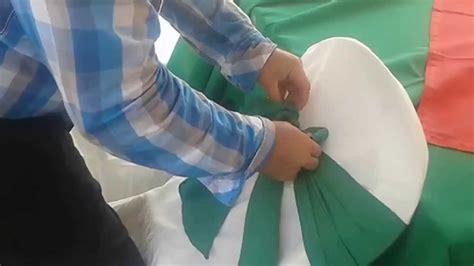 Cómo hacer un moño en una silla. parte 1. - YouTube
