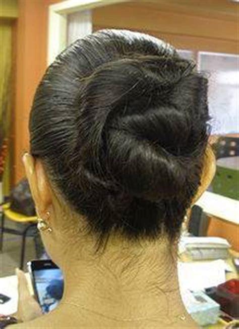 Cómo hacer un peinado fácil y bonito en minutos :: Cómo ...