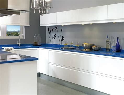 ¿Cómo instalar un zócalo de cocina? - Leroy Merlin