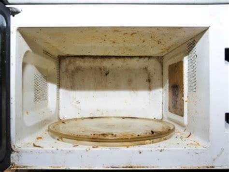como limpiar el microondas con vinagre