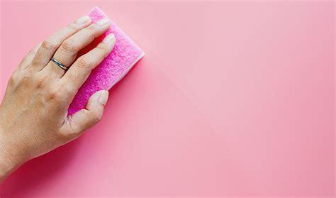 Cómo limpiar las esponjas con vinagre ...