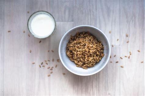 Cómo preparar leche de avena para bebés