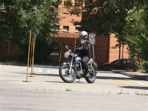 ¿Cómo sacarse el carnet de moto A2 por libre?   Informes ...