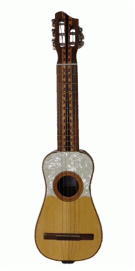 Cómo se llama la pequeña guitarra de Canarias?