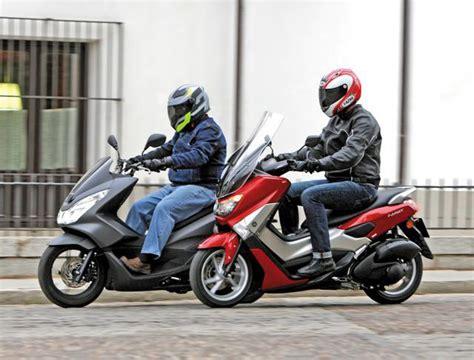 Comparativa del Honda PCX y Yamaha NMAX - Fórmulamoto