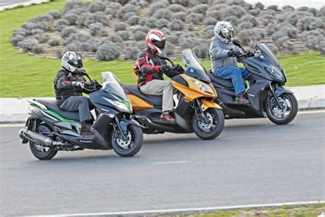 Comparativa: Kymco Superdink 300 vs Kawasaki J300 vs Kymco ...