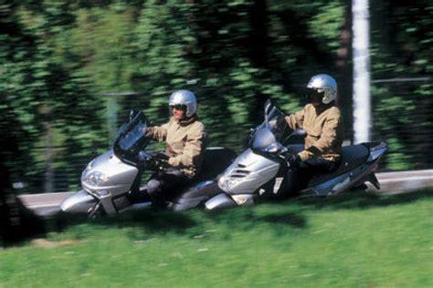 Comparativa scooter 300cc   Motociclismo