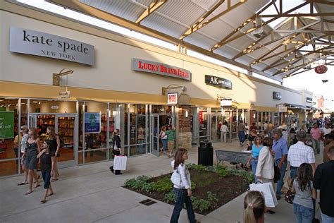 Complete List Of Stores Located At Houston Premium Outlets ...