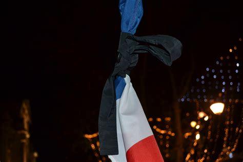 Compostimes   Día negro en Francia: crónica de una barbarie