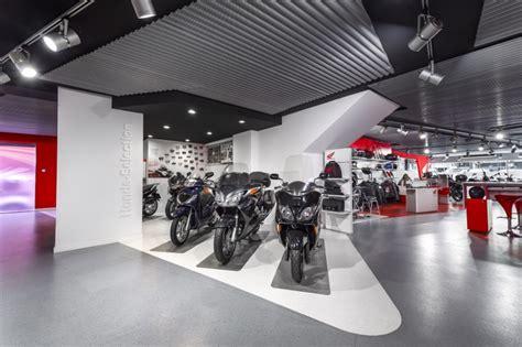 Concesionario De Motos En Barcelona Control 94 | Caroldoey