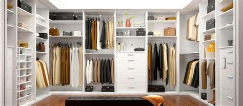 Conoce las ventajas de tener tu armario / vestidor